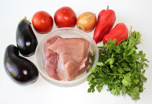 Ингредиенты для баклажанов с мясом