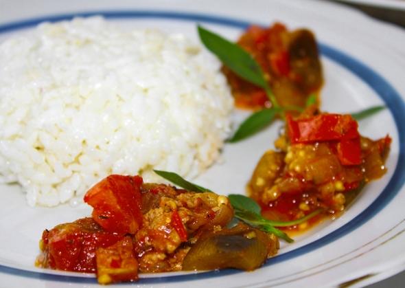 Баклажаны с мясом к рису