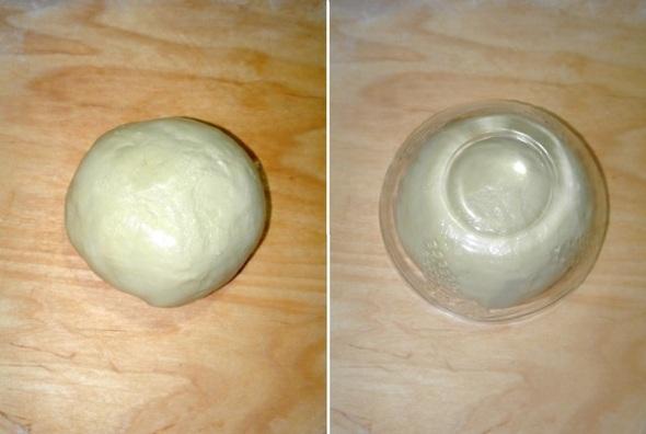 Шаг 4 - помещаем тесто в теплое место