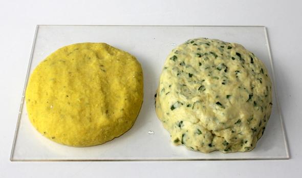 Шаг 4 - оставляем тесто на полчаса