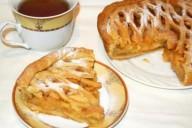 Яблочный пирог с сеточкой из теста