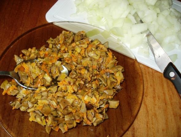 Салат омлетная лента - шаг 4