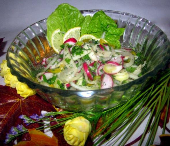 Салат с фенхелем сразу одавайте к столу