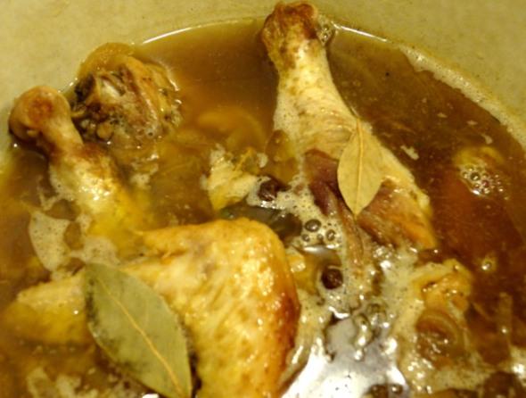 Шаг 3 - варите курицу до готовности