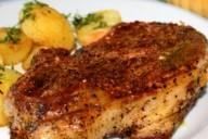Костица по-молдавски, на тарелке с картофелем