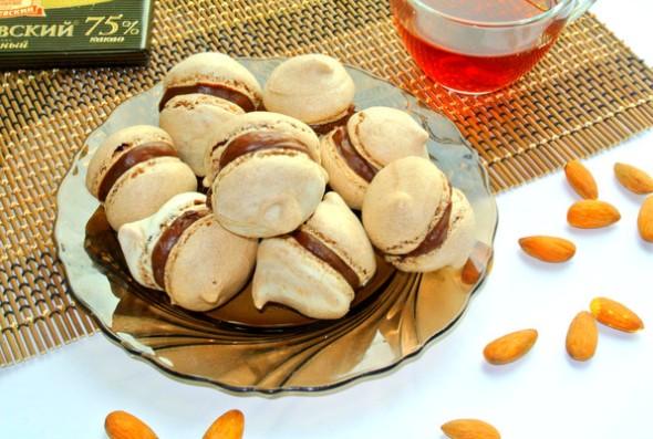 Пирожные макаруны (макарон)