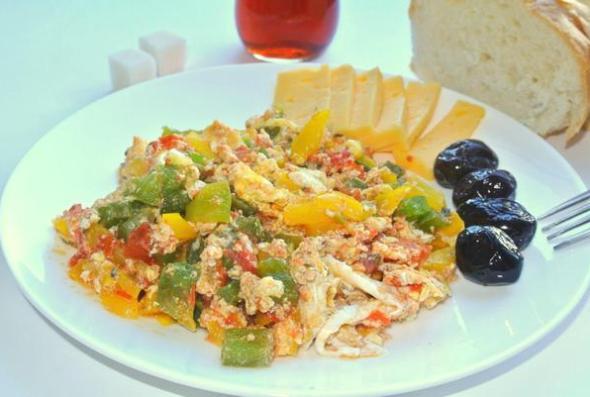 Блюдо турекой кухни менемен рецепт с фото