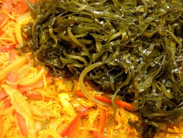 Шаг 6 - обжарьте морскую капусту