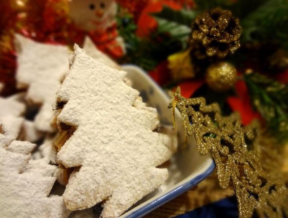 Шаг 12 - посыпьте печенье сахарной пудрой