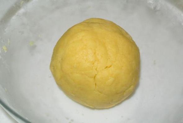 Шаг 4 - замешиваем тесто