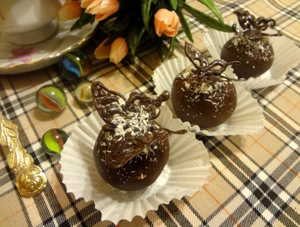 Печенье в виде шоколадных шариков