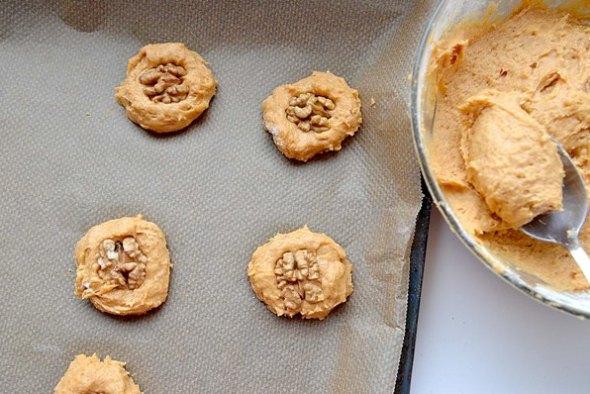 Тыквенное печенье - шаг 4 - выпекаем печень в духовке