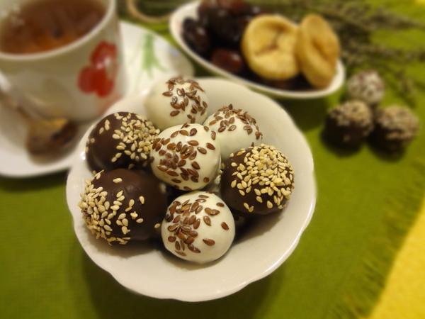Конфеты из сухофруктов в шоколаде - с финиками и инжиром