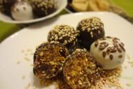 Конфеты из сухофруктов в шоколаде