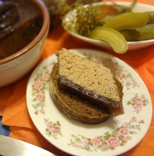 Паштет из куриной печенки с коньяком и черносливом