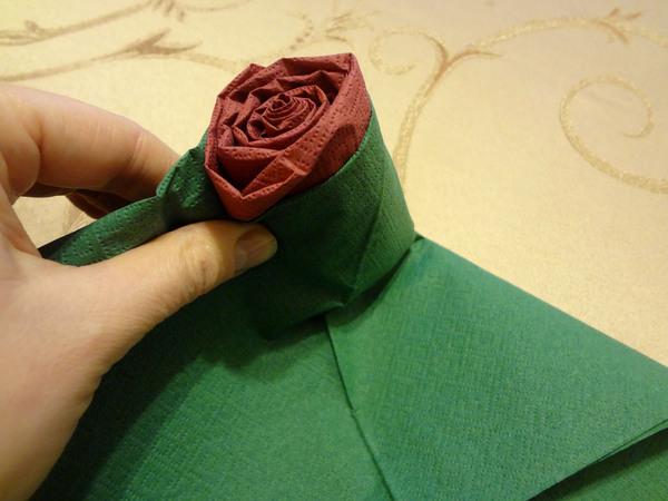 Розы из салфеток - шаг 11