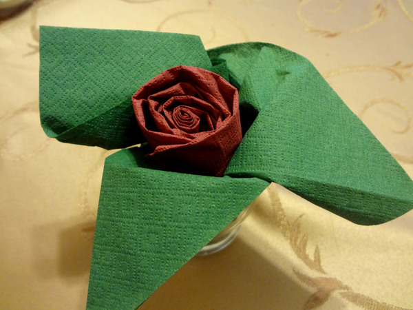 Розы из салфеток - шаг 12