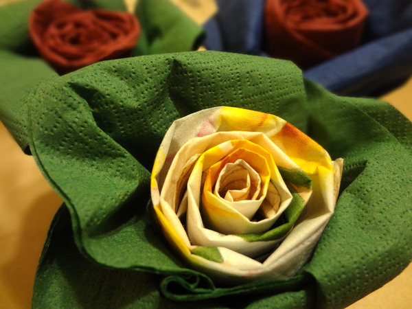 Розы из салфеток - шаг 14