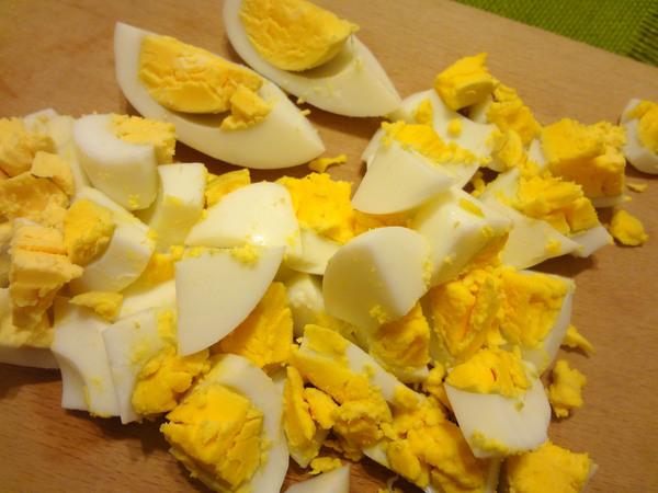 Салат с печенью трески – шаг 7