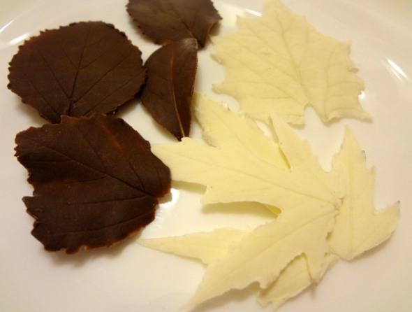 Украшения из шоколада - шоколадные листики