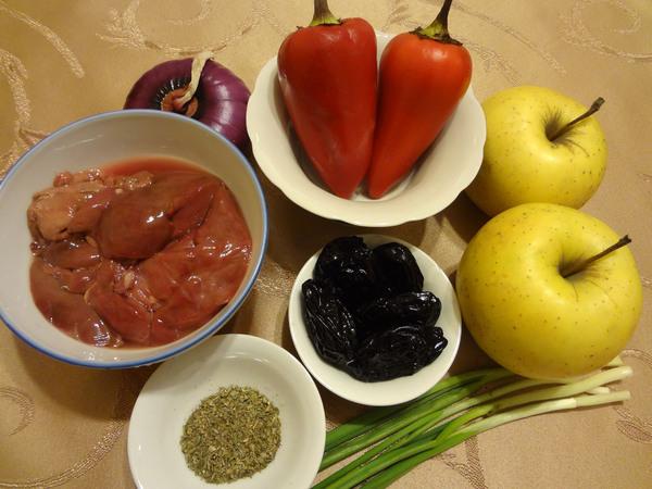 Теплый салат с куриной печенью – ингредиенты