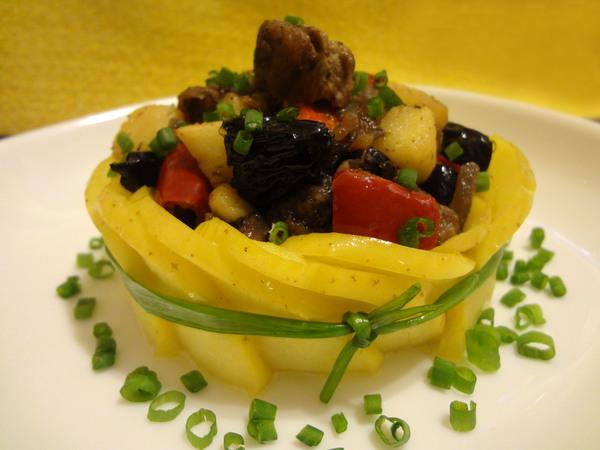 teplyy-salat-s-kurinoy-pechenyu13