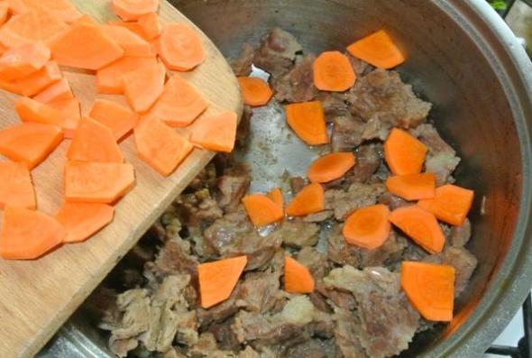 Шаг 3 - добавляем морковь