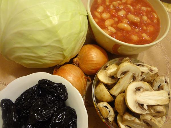 Тушеная капуста с грибами и черносливом – ингредиенты