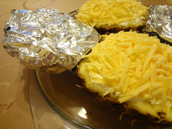 Шаг 10 - запеките ананас в духовке