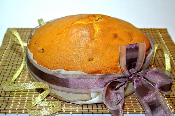 Кекс из кукурузной муки, украшенный лентой