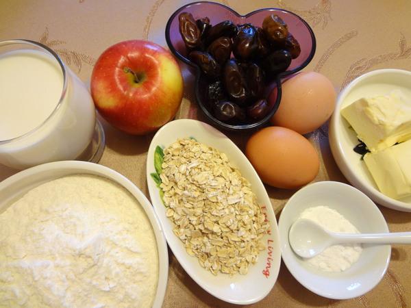 Оладьи с финиками и яблоками – состав