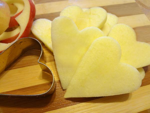 Оладьи с финиками и яблоками – шаг 13
