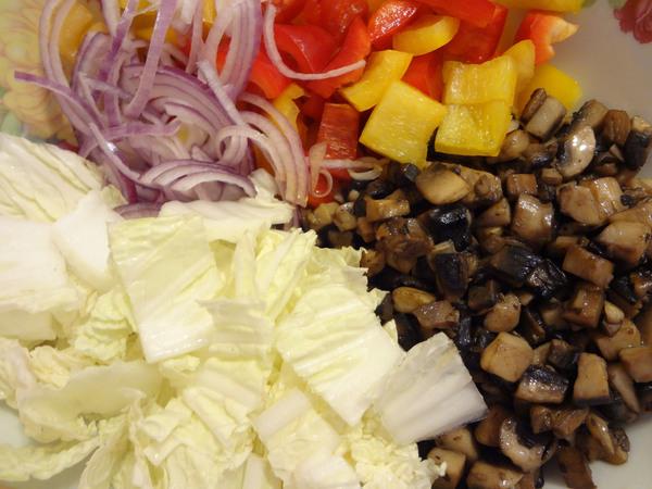 Салат с курицей и грибами – шаг 9
