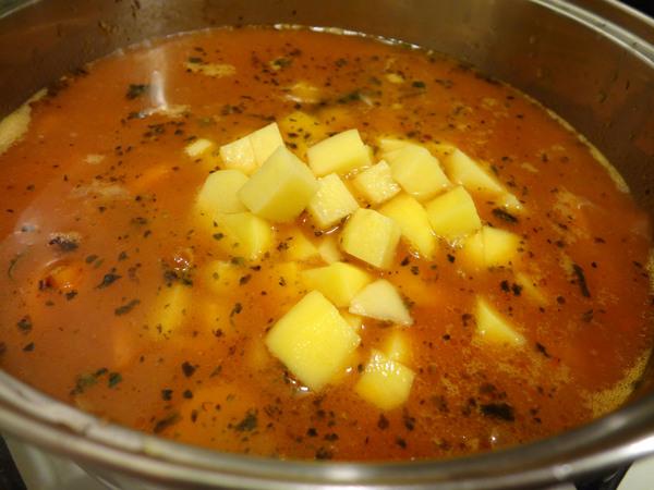 Шаг 7 - добавьте картофель