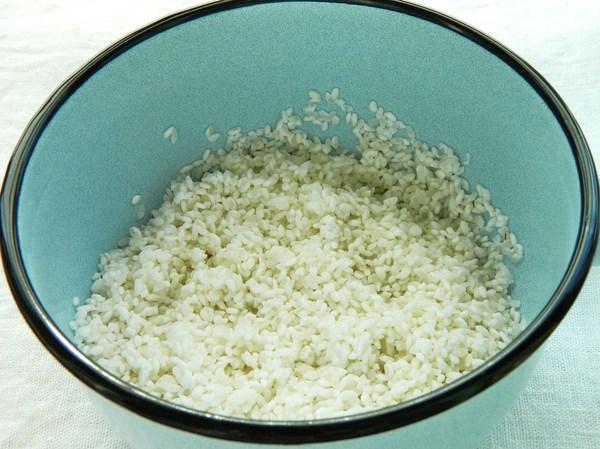Промытый в холодной воде рис - шаг 1