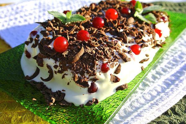 Приготовление семифредо шаг 8 - выложите мороженое на блюдо