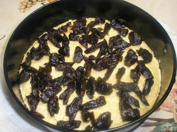 Торт с черносливом и безе - шаг 8