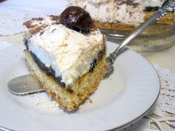 Торт с черносливом и безе - итоговое фото