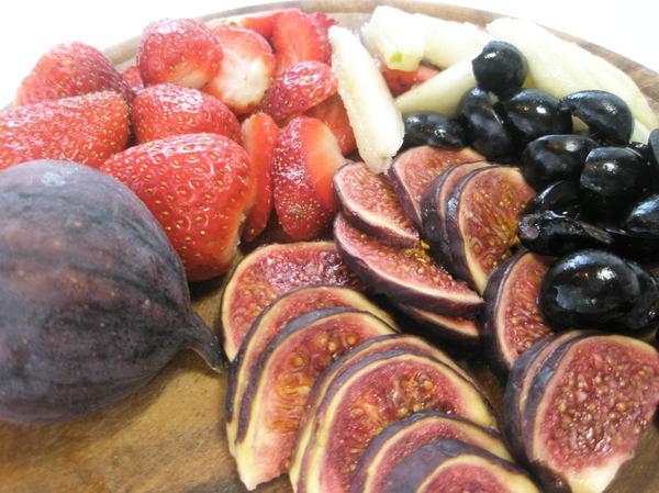 Бисквит с маскарпоне и фруктами - шаг 9