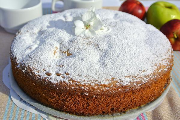 Яблочный пирог шарлотка - шаг 11