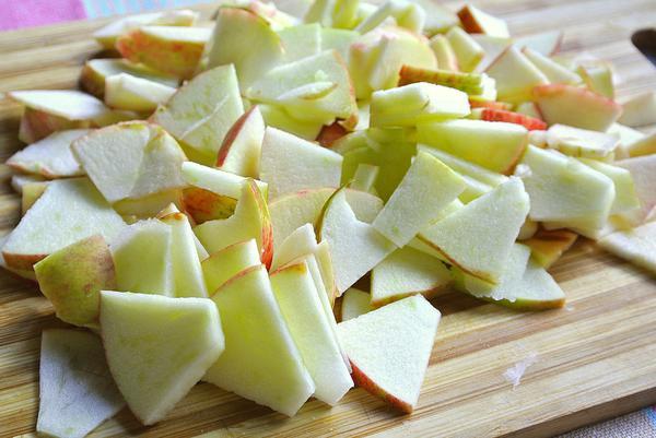 Яблочный пирог шарлотка - шаг 1