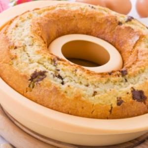 Ring-shaped cake.