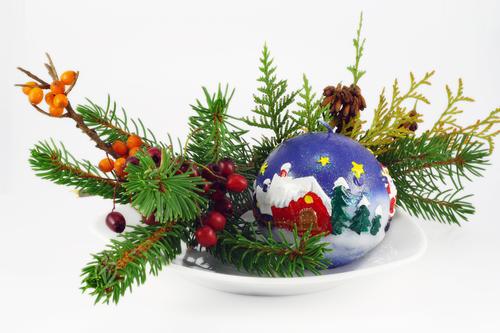 Новогодний букет из веточек ели и облепихи