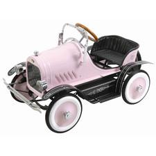 Игрушечный автомобиль в подарок мальчику