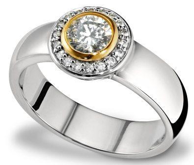 Если одариваемый носит украшения - подарите модное серебряное колечко