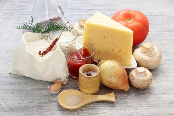 Ингредиенты для турецких пиде с грибами