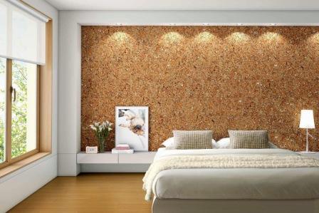 Стена в спальном помещении из пробкового материала