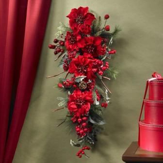 Новогодний декор помещения - гирлянда из цветов