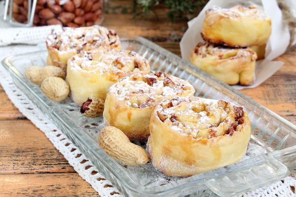 Печенье улитки с орехами и медом