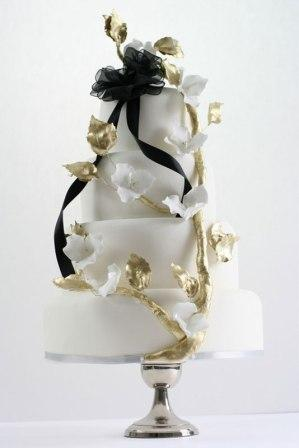 black-and-gold-wedding-cake-rococo